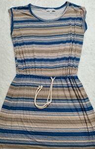 The vanity room dress Sz MP